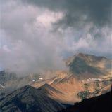 Donner, Blitz und Niederschlag gingen in Richtung zu mir in den nie Sommer-Bergen, Rocky Mountain National Park, Colorado voran Stockbilder