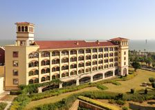 Donnez sur Xiamen Victoria Hotel au bord de la mer, l'adobe RVB Photos libres de droits