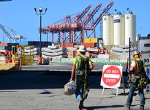 Donosić pracować Seattle Głęboko Świdrowego Tunelowego projekt Fotografia Stock