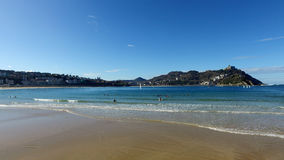 Donostia圣塞巴斯蒂安,巴斯克地区,城市,西班牙 La外耳海滩,全景 库存图片