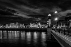 Donostia kultura市中心在晚上, euskadi,西班牙 库存图片