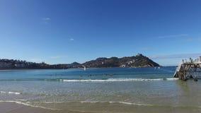 Donostia-SAN Sebastian, βασκική χώρα, πόλη, Ισπανία Η παραλία Λα Concha, πανοραμική άποψη φιλμ μικρού μήκους