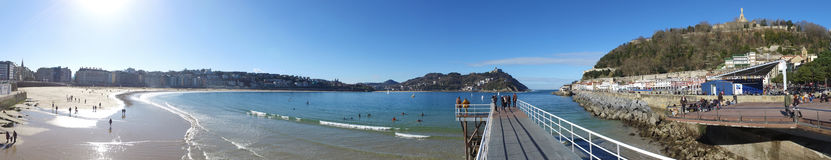 Donostia-SAN Sebastian, βασκική χώρα, πόλη, Ισπανία Η παραλία του Λα Concha από την αποβάθρα, πανοραμική άποψη Στοκ φωτογραφία με δικαίωμα ελεύθερης χρήσης