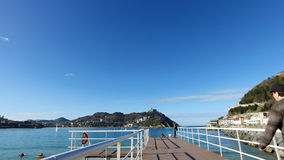 Donostia-San Sebastian, país Basque, cidade, Espanha A praia do Concha do La, vista panorâmica do cais Fotografia de Stock