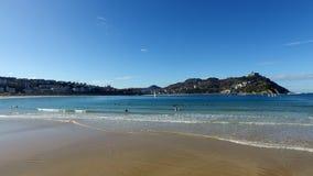 Donostia-San SebastiAn, pays Basque, ville, Espagne La plage de conque de La, vue panoramique Image stock