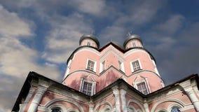 Donskoy monaster Średniowieczni Rosyjscy kościół na terytorium moscow Rosji zdjęcie wideo