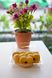 Donut in Form des Herzens Stockfotografie