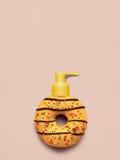 Donut mit Zufuhr Stockfotografie