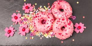 Donuts στην πλάκα Στοκ Εικόνα
