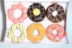 Donuts στο κιβώτιο Στοκ εικόνες με δικαίωμα ελεύθερης χρήσης