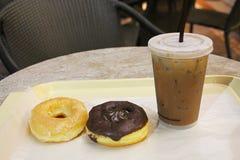Donuts и кофе Стоковые Изображения