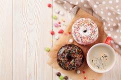 Donuts и кофе Стоковые Фотографии RF