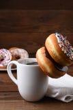 Donuts и кружка Coffe Стоковая Фотография