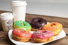 Donuts Круглая зажаренная в тучном пирожке малый зажаренный торт sweetene Стоковая Фотография