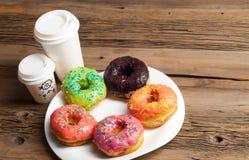 Donuts Круглая зажаренная в тучном пирожке малый зажаренный торт sweetene Стоковое Изображение RF