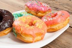 Donuts Круглая зажаренная в тучном пирожке малый зажаренный торт sweetene Стоковые Фото