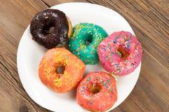 Donuts Круглая зажаренная в тучном пирожке малый зажаренный торт sweetene Стоковые Изображения RF