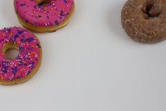 3 Donuts на белизне Стоковая Фотография RF