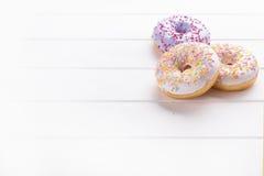 Donuts на белизне Стоковые Изображения RF