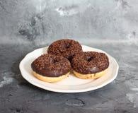 Donuts на плите Стоковое Фото