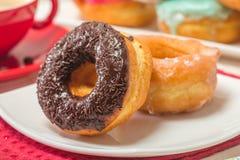 Donuts на плите и кофе Стоковое Изображение RF