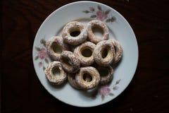 Donuts на плите Стоковые Изображения