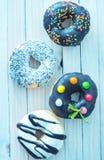 Donuts на плите Стоковые Фото