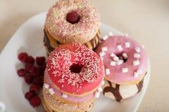 Donuts на таблице Стоковые Фотографии RF
