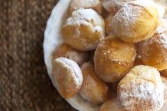 Donuts на таблице Стоковое Изображение