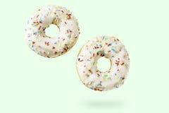 2 donuts с брызгают Стоковые Фото