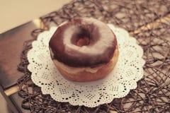 Donuts czekoladowi Zdjęcia Royalty Free