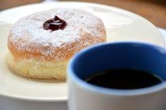 Donuts en koffie Stock Fotografie
