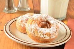 Donuts en melk Royalty-vrije Stock Fotografie