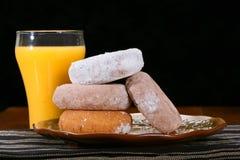 Donuts i sok pomarańczowy Zdjęcie Stock