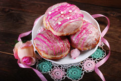 Donuts with icing glaze Royalty Free Stock Photography