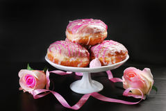 Donuts with icing glaze Royalty Free Stock Images