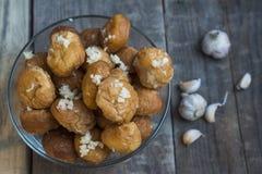 Donuts met knoflook royalty-vrije stock foto's