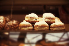 Donuts met vanille Stock Afbeeldingen