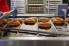 donutsframställning Royaltyfri Fotografi