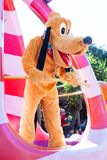 Doo di Scooby che partecipa alla parata di DisneyWorld immagini stock libere da diritti