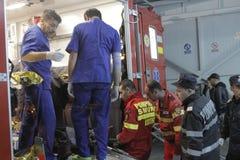 27 dood in de nachtclubbrand van Boekarest Colectiv Stock Foto's