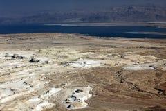 Dood overzees en Jordan Mt, mening van oude stad Masada, Israël Stock Foto's
