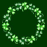 Doodle τέχνη γραμμών στεφανιών κύκλων τριφυλλιών τριφυλλιού που απομονώνεται πράσινη Στοκ Φωτογραφίες