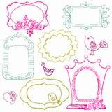 Γλυκά πλαίσια Doodle με τα πουλιά και τα στοιχεία λουλουδιών Στοκ Φωτογραφίες