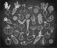 Free Doodle Fruits And Vegetables On Blackboard Background. Vector Sketch Illustration Royalty Free Stock Photos - 91517068