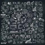 Doodle seo biznesowe ikony ustawiać na Chalkboard Obraz Royalty Free