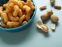Doodles арахиса в голубом шаре Стоковая Фотография