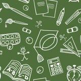 Назад к картине doodles школьных принадлежностей безшовной Стоковые Изображения RF