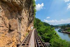 Doodsspoorweg langs de Rivier Kwai in Kanchanaburi, Thailand Stock Afbeeldingen