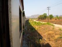 Doodsspoorweg op de manier in Kanchanaburi, Thailand Stock Fotografie